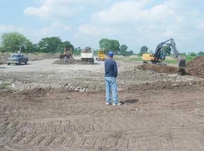 Un solo frente de trabajo está ubicado donde se inició la construcción de la vía alterna